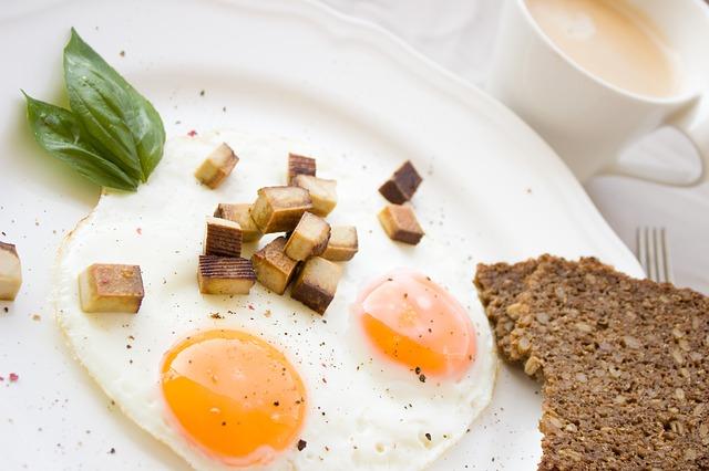 egg-1832922_640