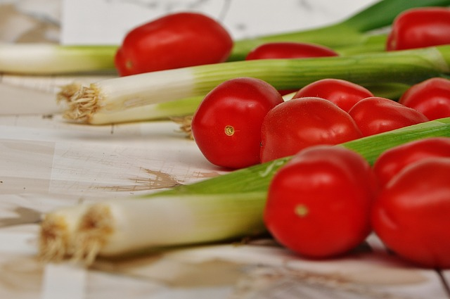 tomatoes-1303005_640
