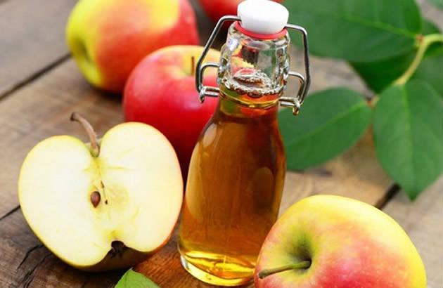 Яблочный уксус богат уксусной кислотой, которая нормализует уровень ph вашего организма