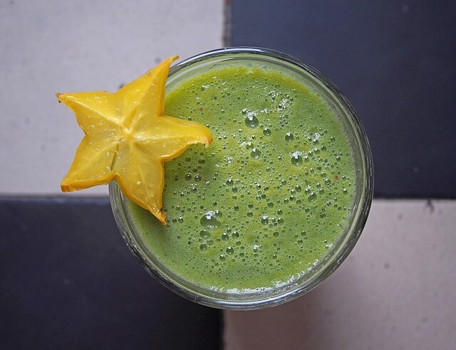 green-smoothie-1394103_640