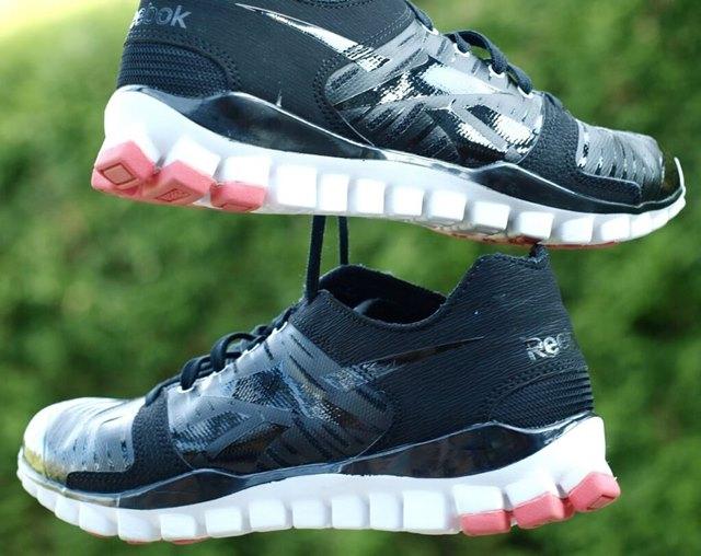 sneakers-332127_1280