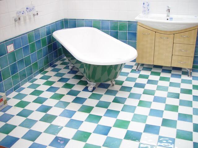 bath-3148_640