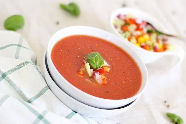 tomatoes-1822185_640