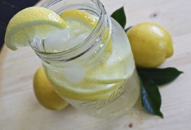 lemon-water-1420277_960_720