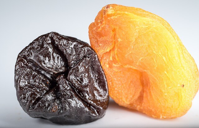 dried-apricots-1836008_640