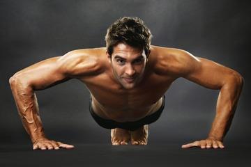 Отжимания на грудные мышцы: программа для накачки груди