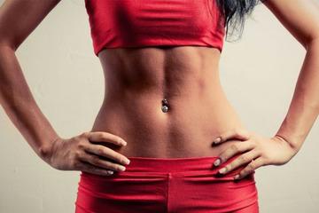 Как убрать живот за неделю быстро в домашних условиях: упражнения от жира