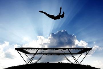 Джампинг – эффективный и веселый фитнес на батуте для похудения