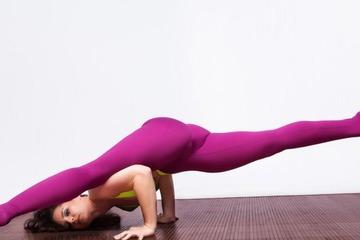 Упражнения для шпагата с нуля, эффективные в домашних условиях для начинающих