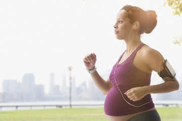 Можно ли бегать беременной женщине