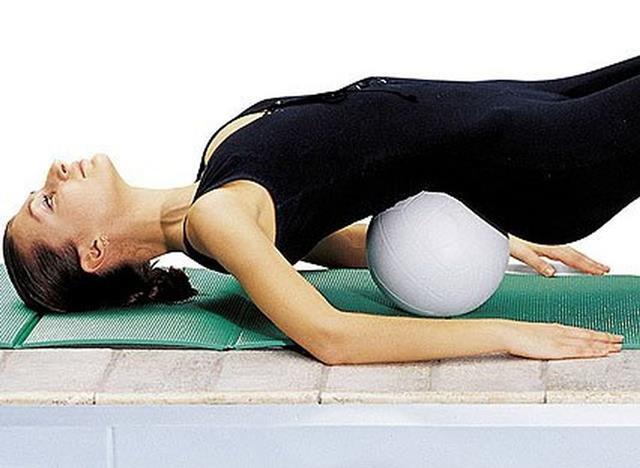 ЛФК при сколиозе: комплекс упражнений для исправления осанки