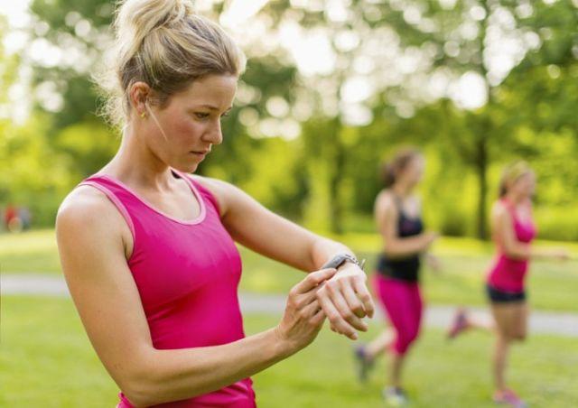 Еда и бег: что нужно есть и через сколько бегать после приема пищи