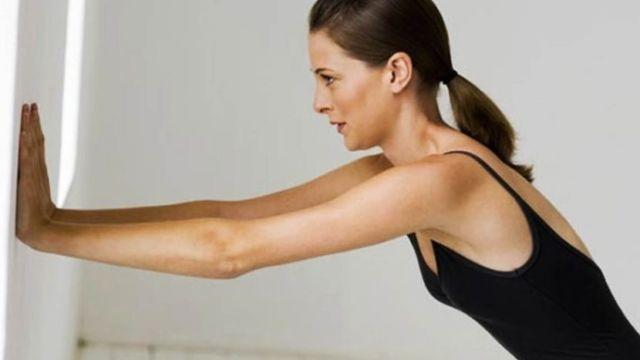 Упражнения для снятия боли в плечевом суставе видео жд больница воронежа стоимость замены тазобедренного сустава