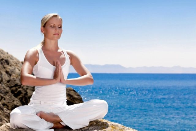 упражнения с палкой для похудения живота и боков