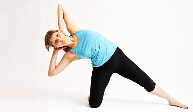 Изображение - Шишонин гимнастика для плечевого сустава devushka-v-siney-maike