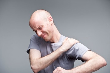 Гимнастика при плечелопаточном периартрите: комплекс упражнений на видео