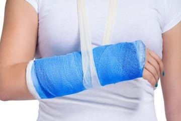 Как разработать руку после перелома лучевой кости в домашних условиях: реабилитация, массажи и ЛФК