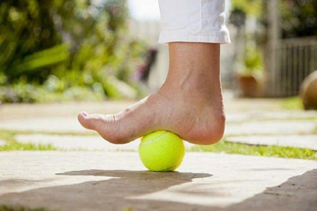 Лечебная гимнастика при пяточной шпоре - убираем боль и ее источник