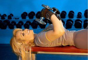 Еженедельные силовые тренировки снижают риск развития инсульта и инфаркта