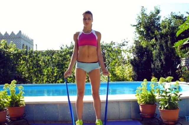 От А до Я: упражнения с эластичной лентой для всех