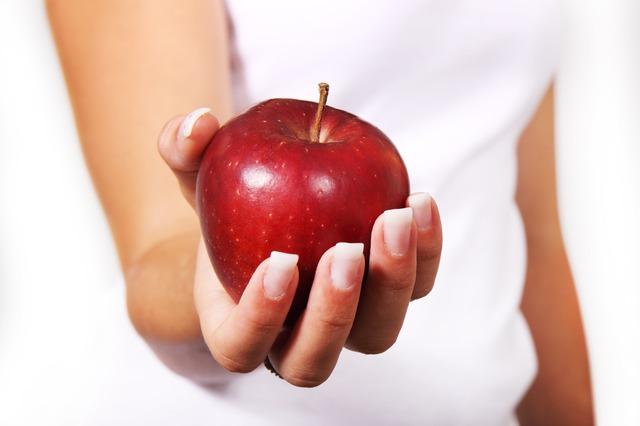 Сорвалась с диеты и наелась: что делать, чтобы не потерять результат