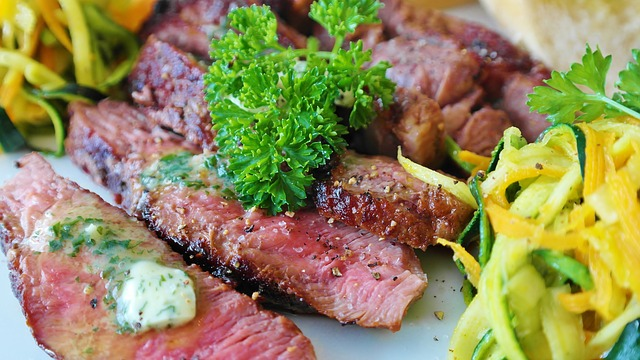 Что такое кето-диета: польза и вред для любителей пожирнее