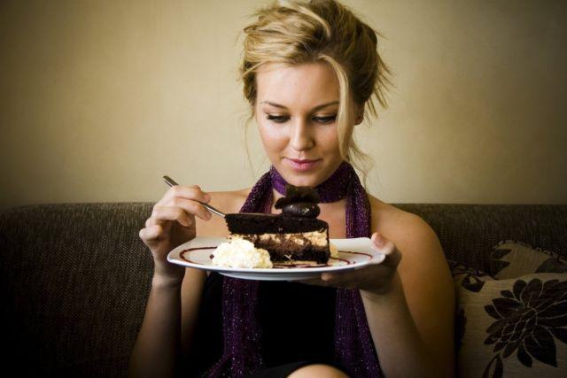 Что такое читмил - эффективный прием похудения или самообман?
