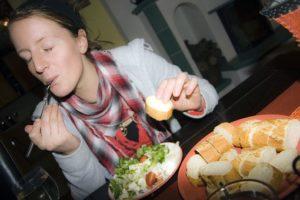 Прием пищи в конце дня может быть связан с ожирением