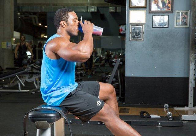 Изолят протеина для тренировок и роста мышц