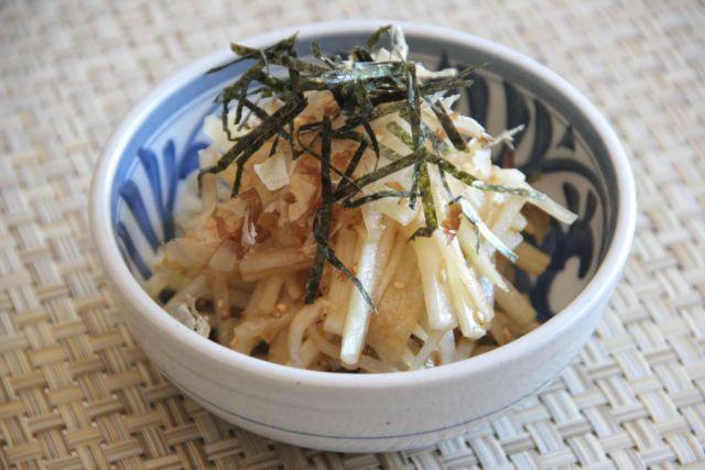Салат из дайкона - 8 пошаговых рецептов