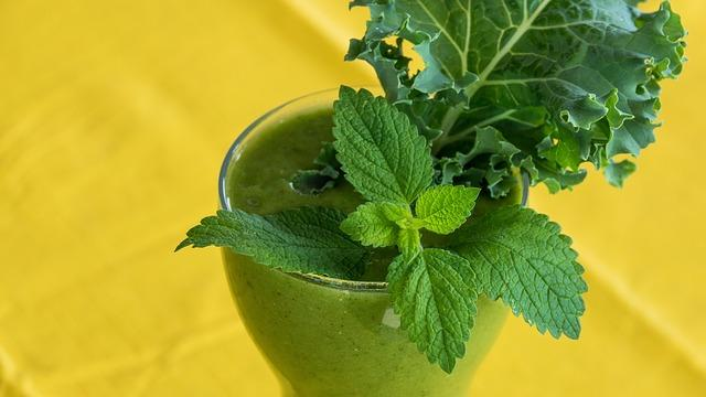 smoothie-with-mint