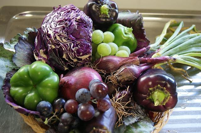 Виноград и овощи